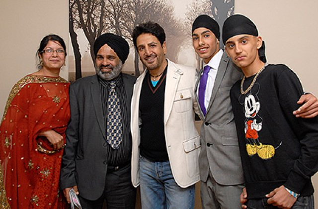 Gurdas Maan And Fans 3