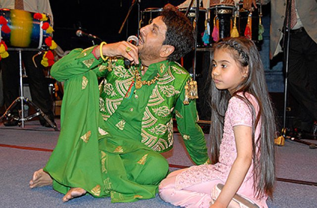 Gurdas Maan And Fans 7