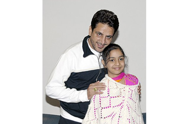 Gurdas Maan And Fans 6