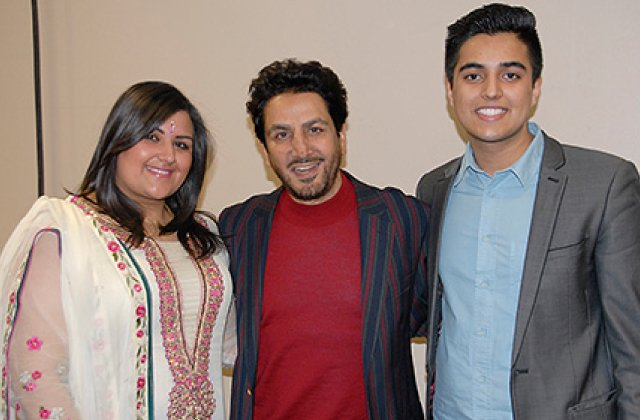 Gurdas Maan And Fans 14