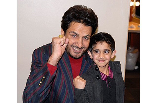 Gurdas Maan And Fans 13