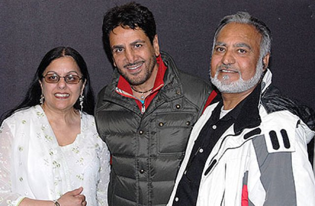 Gurdas Maan And Fans 10